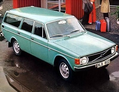 1973 Volvo 145 Deluxe Station Wagon Photo Poster zc3756-GAFRPP