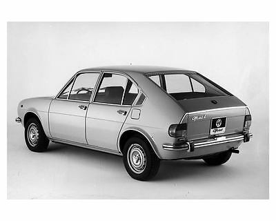 1975 Alfa Romeo Alfasud L Automobile Photo Poster zuc0606-TQ6EAN