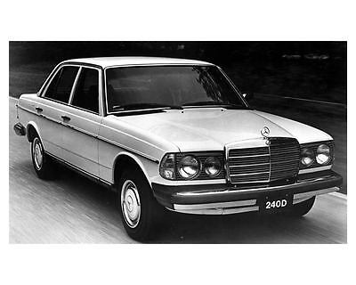 1982 Mercedes Benz 240D Sedan Factory Photo uc4282-XWQUPD