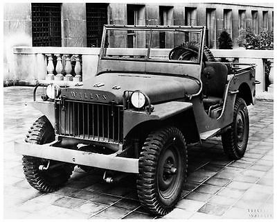 1941 Willys Overland Military Jeep WWII Photo Poster zc5408-9Y6R87