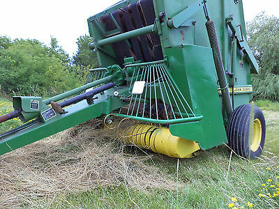 JOHN DEERE  410 ROUND BALER ! Great for kubota small bale used last season good!