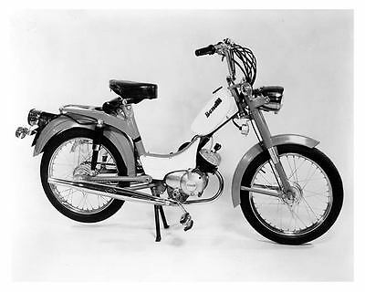 1975 Benelli 50 Moped Motorcycle Factory Photo c4770-EL3D1A