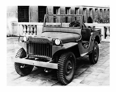 1941 Willys Overland Military Jeep WWII Factory Photo  c5408-2S99FX
