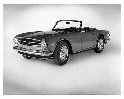 1973 Triumph TR6 Factory Photo c6642-3RMVOB