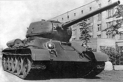WW2 Photo Russian T-34 Tank Front View  WWII Russia Germany  World War Two