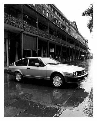 1982 Alfa Romeo GTV6 Automobile Photo Poster zu6615-BD6S9U