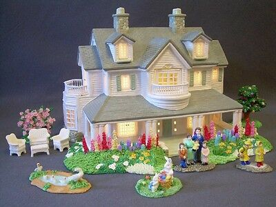 Christmas Easter Village Lighted Ceramic House & Accessories People Summer Set