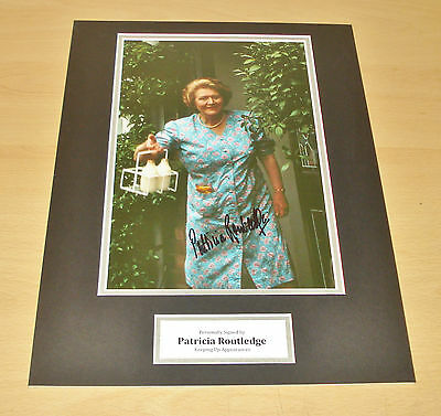 Patricia Routledge HAND SIGNED 16x12 Photo Display Keeping Up Appearances + COA