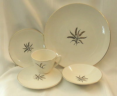 Knowles China Royal Dover 5 Piece  Place Setting Vintage still in Box
