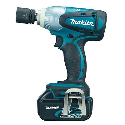 Makita DTW251RMJ 18V LXT Lithium Ion Impact Wrench 2 BL1840 DTW251
