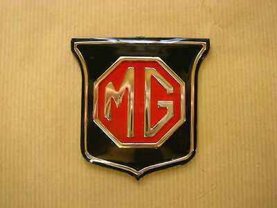 MG MGB Front Grille Badge (Black & Red) 1962-1969 ARA2148