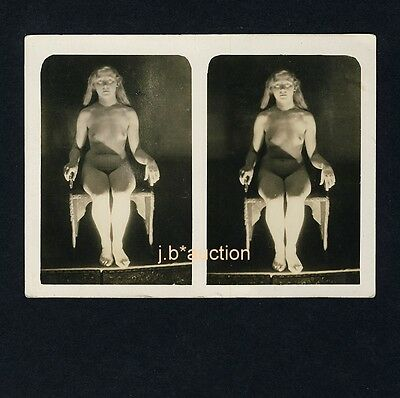 Surrealism NUDE WOMAN ON CHAIR / SITZENDE NACKTE FRAU * Vintage 20s Stereo Photo