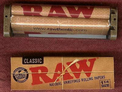 RAW Hemp Plastic 79mm Roller + 1 1/4 Classic Unbleached Rolling Papers 32 leaves