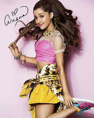 ARIANA GRANDE SIGNED/AUTOGRAPHED FULL COLOR (REPRINT) CD TOUR SIGNED PHOTO NEW