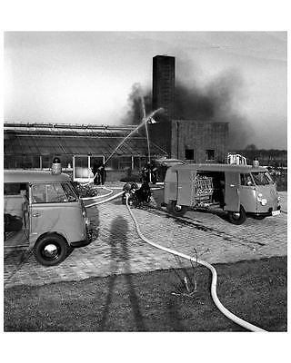 1967 ? Volkswagen Bus Fire Truck Kombi Photo Poster zc8968