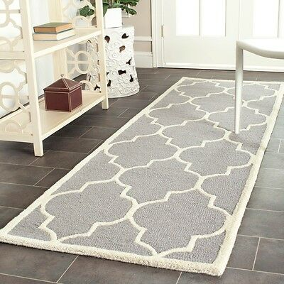 Safavieh Handmade Moroccan Cambridge Silver Wool Runner Rug (2'6 x 12')