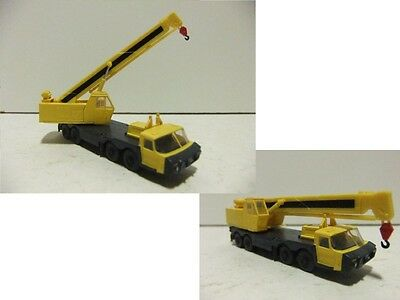 N gauge Tomytec - 12 Wheel Road Crane (Yellow) - Fine Detailed Model - BNIB