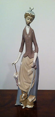 Lladro figurine Lady Woman Umbrella Puppy Dog 4761 New Original Box Stroll