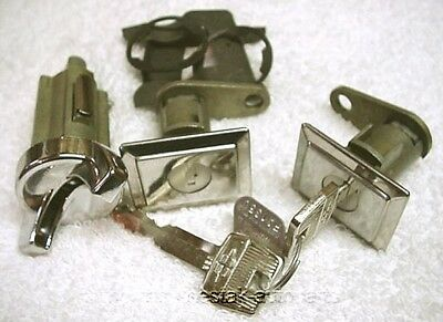 NOS Door & Ignition Locks With Crest Logo Keys Lincoln Continental 77 78 79