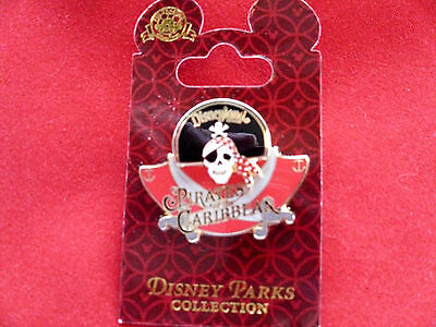 Disney * DLR * Pirates of the Caribbean - Skull w Hat Attraction New on Card Pin