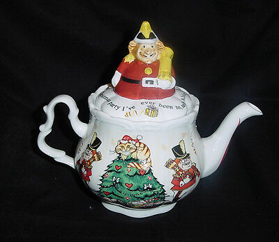 CARDEW ALICE IN WONDERLAND TEAPOT 150TH ANNIVERSARY CHRISTMAS