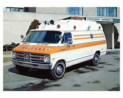 1970 Dodge National Van Pacemaker Ambulance Factory Photo ca0628