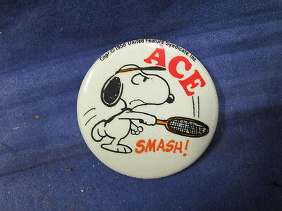 "Vintage 1958 United Feature Syndicate Inc. N.J ""Tennis Snoopy"" Pinback Very Nice"