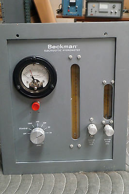 BECKMAN EH (ELECTROLYTIC HYGROMETER) MOISTURE ANALYZER  with cables Model 27901