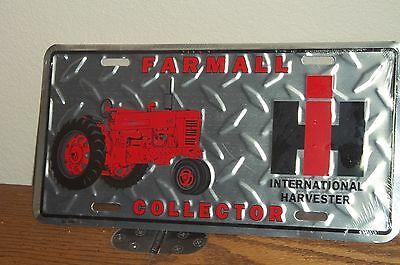 INTERNATIONAL HARVESTER TRACTOR -  Diamond plate Metal License Plate, NEW