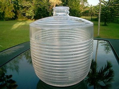 MAJESTIC M LOGO 1986 RIBBED HARD PLASTIC LUCITE? ICE BUCKET WITH TOP LID