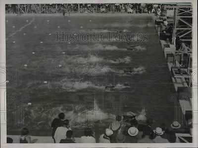 1936 Press Photo The finish of the 100-meter event at the National AAu Women's