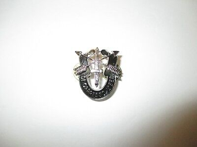 b3674 US Army Vietnam 5th SF Special Forces Group Beret  badge De Oppresso Liber