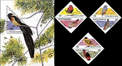Birds On Stamps Triangle Shaped Stamps & Souvenir Sheet Benin # 1204-1207 MNH