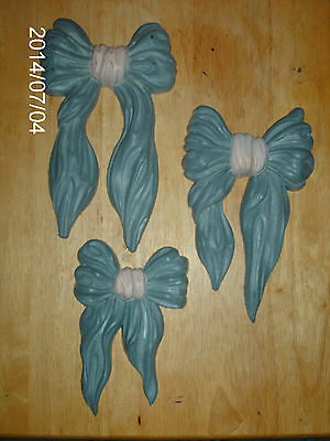 SET OF 3 HOME INTERIORS BOW OR RIBBON WALL PLAQUES OR HANGINGS /BLUE & PINK
