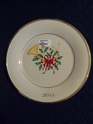 FREE S&H Lenox 2011 Annual Holiday Accent Collector Plate First Quality NWT