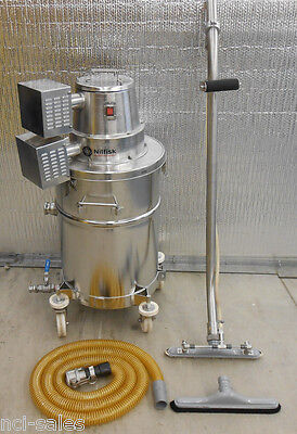 Nilfisk Advance Stainless Steel Wet/dry Vacuum