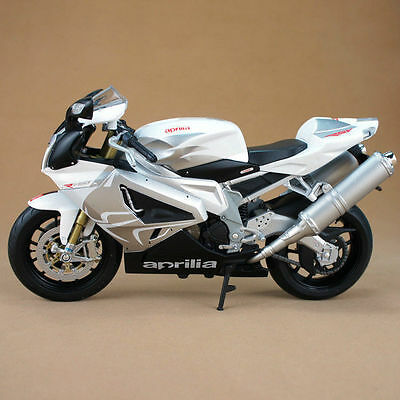 M032-2 Welly 1:10 Aprilia RSV 1000R Factory White Motorcycle Model Diecast Toy
