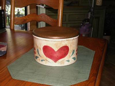 RRPCo Robinson Ransbottom Pottery Co 2 Quart Low crock Heart Motif wood lid Nice
