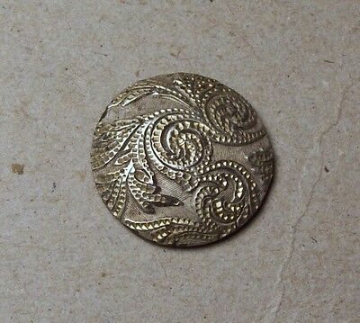 Dug lovely silver plated button 19th century