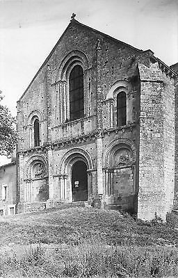 79 PARTHENAY l'eglise