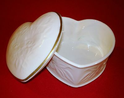 Vintage ~ ROYAL DOULTON ~ Bone China Heart Shaped Box  ~ Jewelry Covered Dish