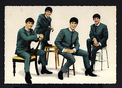 7134-old POSTCARD THE BEATLES. Auf odeon schallplatten. 1964.Circulated.