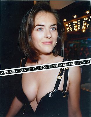 """ELIZABETH HURLEY SEXY! COLOR CANDID 8x10 PHOTO """"AUSTIN POWERS"""" """"BEDAZZLED"""" #5023"""