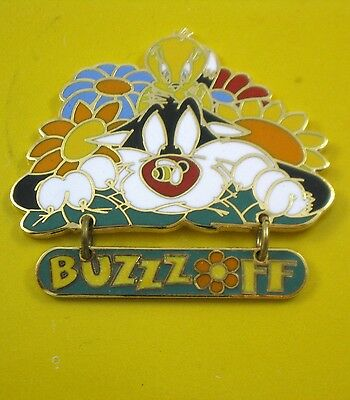 Tweety Sylvester BUZZ OFF Dangle Pin Warner Brothers Store NEW  '99 Looney Tunes