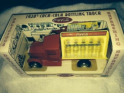 VERY RARE MIB 2001 GEARBOX COCA COLA 1930s BOTTLING TRUCK 1:18 W/GLASS BOTTLES