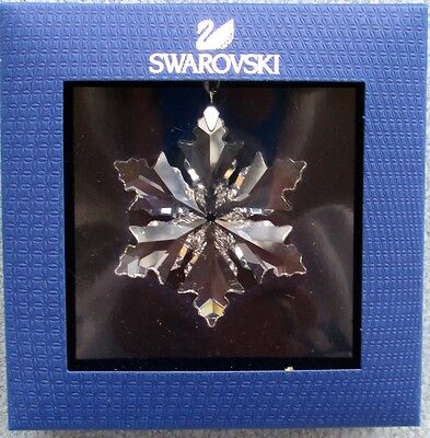 SWAROVSKI CHRISTMAS 2014 Annual Little Snowflake Ornament Mint and NEW IN BOX