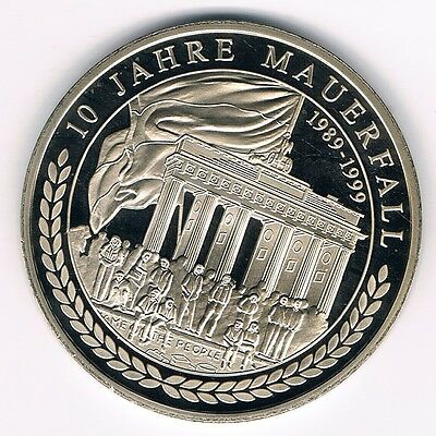 Medaille   10 Jahre Mauerfall  1989-1999  --- DDR 1949-1999