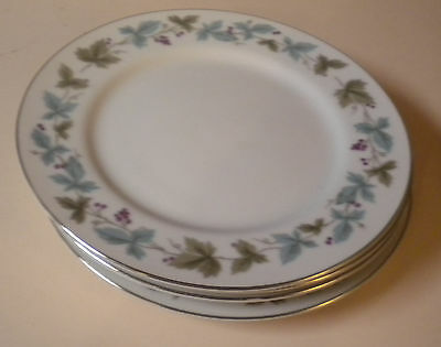 MS FINE CHINA OF JAPAN 6701 VINTAGE 2 DESSERT PLATES 6 3/8 GRAPES AND LEAVES