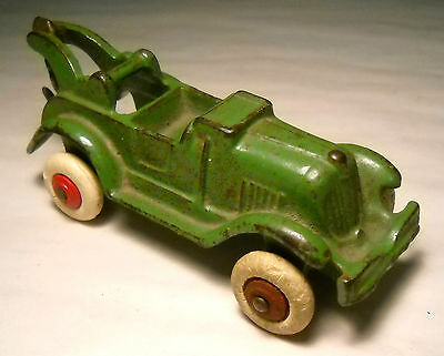 VINTAGE OLD GREEN CASTIRON HUBLEY OPEN AIR TOW TRUCK WRECKER W/HOOK & WHT.WHEELS