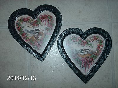 SET OF 2 HOME INTERIORS GREEN FRAME HEART SHAPED PICTURES OF BIRDS PLAQUE